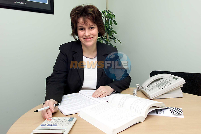 Gail McEvoy in Drogheda Tax Clinic..Picture: Paul Mohan/Newsfile