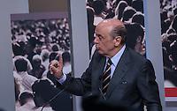 ATENCAO EDITOR FOTO EMBARGADA PARA VEICULO INTERNACIONAL - SAO PAULO, SP , 24 DE SETEMBRO 2012 - DEBATE TV GAZETA - O candidato a prefeitura de Sao Paulo, Jose Serra (PSDB) durante debate do primeiro turno da tv Gazeta na noite desta segunda-feira, 24 na sede da tv na avenida Paulista. FOTO: VANESSA CARVALHO / BRAZIL PHOTO PRESS.