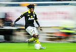 ***BETALBILD***  <br /> Solna 2015-05-10 Fotboll Allsvenskan AIK - IFK Norrk&ouml;ping :  <br /> AIK:s Mohamed Bangura i aktion under matchen mellan AIK och IFK Norrk&ouml;ping <br /> (Foto: Kenta J&ouml;nsson) Nyckelord:  AIK Gnaget Friends Arena Allsvenskan IFK Norrk&ouml;ping portr&auml;tt portrait panorering panorera speed fart snabb