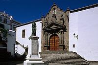 San Salvador an der Plaza España. Denkmal Diaz, Santa Cruz, La Palma, Kanarische Inseln, Spanien