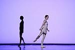 TROISIEME SYMPHONIE DE GUSTAV MAHLER....Choregraphie : NEUMEIER John..Decor : NEUMEIER John..Lumiere : NEUMEIER John..Avec :..DANIEL Nolwenn..HUREL Melanie..Lieu : Opera Bastille..Ville : Paris..Le : 11 03 2009..© Laurent PAILLIER / photosdedanse.com