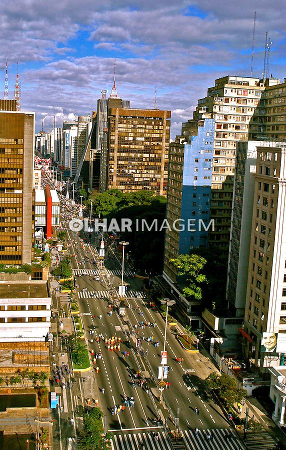 Vista da Avenida Paulista. São Paulo. 2005. Foto de Thais Falcão.