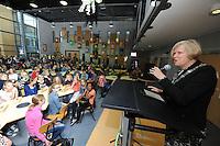 ALGEMEEN: JOURE: 31-10-2013, Bornego College/OSG Sevenwolden, Aftrap schoolverkiezing met burgemeester Looman, ©foto Martin de Jong