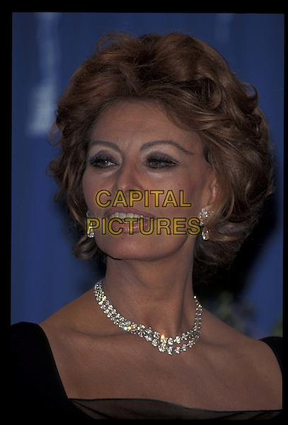 SOPHIA LOREN.21 March 1999.Ref: 8317.headshot, portrait, diamond necklace.*RAW SCAN- photo will be adjusted for publication*.www.capitalpictures.com.sales@capitalpictures.com.©Capital Pictures