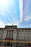 Red Arrows flypast over Buckingham Palace<br /> Celebration marking The Queen's official birthday, Trooping The Colour, The Queen's official birthday, Buckingham Palace, London, England UK on June 09, 2018.<br /> CAP/JOR<br /> &copy;JOR/Capital Pictures