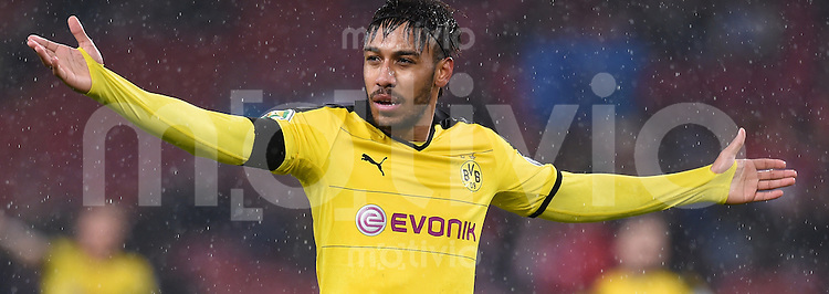 Fussball DFB Pokal Viertelfinale 2015/2016 08.02.2016 VfB Stuttgart - Borussia Dortmund JUBEL Pierre-Emerick Aubameyang (Borussia Dortmund) jubelt