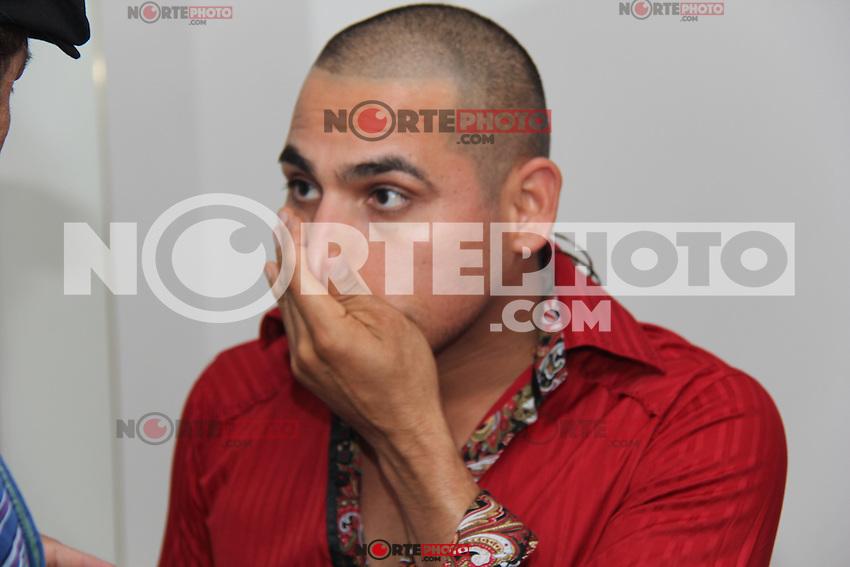 Presentaci&oacute;n de el cantante de m&uacute;sica popular norte&ntilde;a Espinoza Paz durante su concierto en &aacute;rea de Valeria en el inicio de la feria Internacional de Durango 2012.<br /> *Durango**29*Junio*2012*.<br /> (***Photo:&copy;*C.Marquez*NortePhoto.com**)<br /> **CREDITO*OBLIGATORIO** *No*Venta*A*Terceros* *No*Sale*So*third* *** No Se Permite Hacer Archivo** *No*Sale*So*third*&copy;
