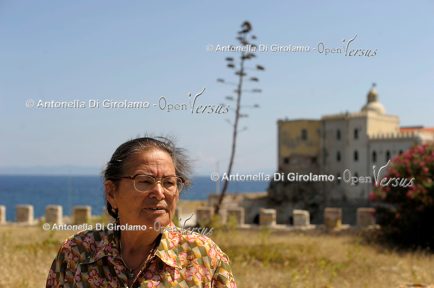 Isola di Pianosa.Pianosa Island.Francesca Paladino, (79 anni) moglie di un agente di custodia, ritorna a Pianosa dopo 53 anni. Francesca Paladino, (79 years) wife of a guard, she returned to Pianosa after 53 years.