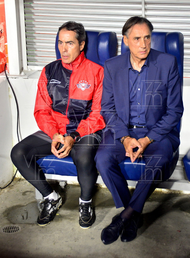 IBAGUE- COLOMBIA, 03-04-2019: Miguel Ángel Portugal, técnico de Jorge Wilstermann (BOL), durante partido de la fase de grupos, grupo G, fecha 3, entre Deportes Tolima (COL) y Jorge Wilstermann (BOL), por la Copa Conmebol Libertadores 2019, en el Estadio Manuel Murillo Toro de la ciudad de Ibague. / Miguel Ángel Portugal, coach of Jorge Wilstermann (BOL), during a match of the groups phase, group G, 3rd date, beween Deportes Tolima (COL) and Jorge Wilstermann (BOL), for the Conmebol Libertadores Cup 2019, at the Manuel Murillo Toro Stadium, in Ibague city.  Photo: VizzorImage / Juan Carlos Escobar / Cont.
