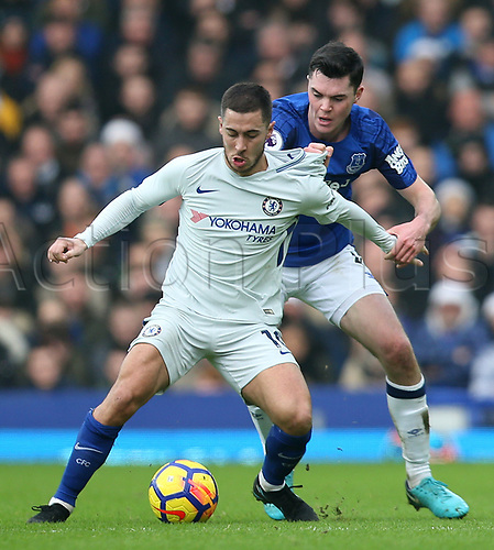 23rd December 2017, Goodison Park, Liverpool, England; EPL Premier League Football, Everton versus Chelsea; Eden Hazard of Chelsea is closely marked by Michael Keane of Everton