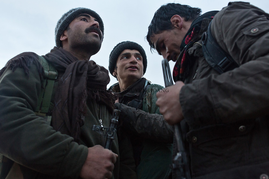SYRIA: YPJ and YPG are preparing to go on the first front line of the cement plant located 6km from the town of Tal Abyad.<br />