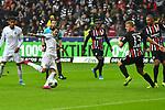 06.10.2019, Commerzbankarena, Frankfurt, GER, 1. FBL, Eintracht Frankfurt vs. SV Werder Bremen, <br /> <br /> DFL REGULATIONS PROHIBIT ANY USE OF PHOTOGRAPHS AS IMAGE SEQUENCES AND/OR QUASI-VIDEO.<br /> <br /> im Bild: Die Situation zum Tor zum 0:1, durch Davy Klaassen (SV Werder Bremen #30), zuerst scheitert Leonardo Bittencourt (SV Werder Bremen #10), dann verwandelt Davy Klaassen (SV Werder Bremen #30) den Nachschuss<br /> <br /> Foto © nordphoto / Fabisch