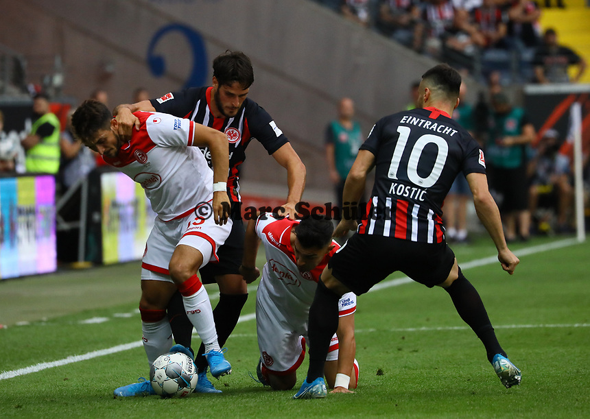 Goncalo Paciencia (Eintracht Frankfurt), Filip Kostic (Eintracht Frankfurt) gegen Erik Thommy (Fortuna Düsseldorf), Kaan Ayhan (Fortuna Düsseldorf) - 01.09.2019: Eintracht Frankfurt vs. Fortuna Düsseldorf, Commerzbank Arena, 3. Spieltag<br /> DISCLAIMER: DFL regulations prohibit any use of photographs as image sequences and/or quasi-video.