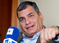 Correa afirma que Trump ha batido el r&eacute;cord de estupideces en poco tiempo.<br /> <br /> MONTEVIDEO (URUGUAY), 23/06/2017.- El expresidente de Ecuador Rafael Correa habla en entrevista con Efe hoy, viernes 23 de junio de 2017, en Montevideo (Uruguay). El expresidente de Ecuador Rafael Correa (2007-2017) afirm&oacute; hoy a Efe que el presidente de EE.UU., Donald Trump, ha batido el r&eacute;cord de estupideces en poco tiempo y que el de Brasil, Michel Temer, representa a la &quot;traici&oacute;n&quot; pol&iacute;tica. EFE/Ra&uacute;l Mart&iacute;nez