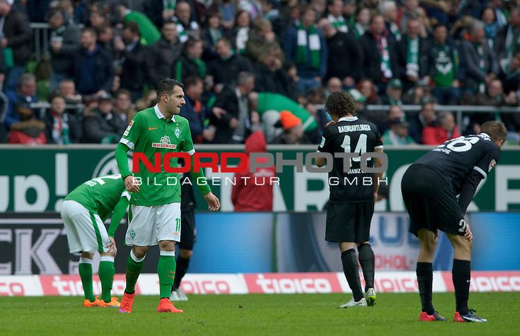 04.04.2015, Weserstadion, Bremen, GER, 1.FBL, Werder Bremen vs 1. FSV Mainz 05, im Bild Werder nach dem Spiel<br /> <br /> Foto &copy; nordphoto / Frisch