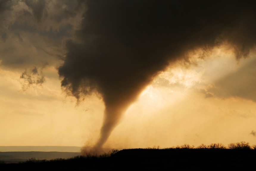 A strong tornado rises out of the Palo Duro Canyon on a 30+ minute trek across the Texas Panhandle on March 28th, 2007.