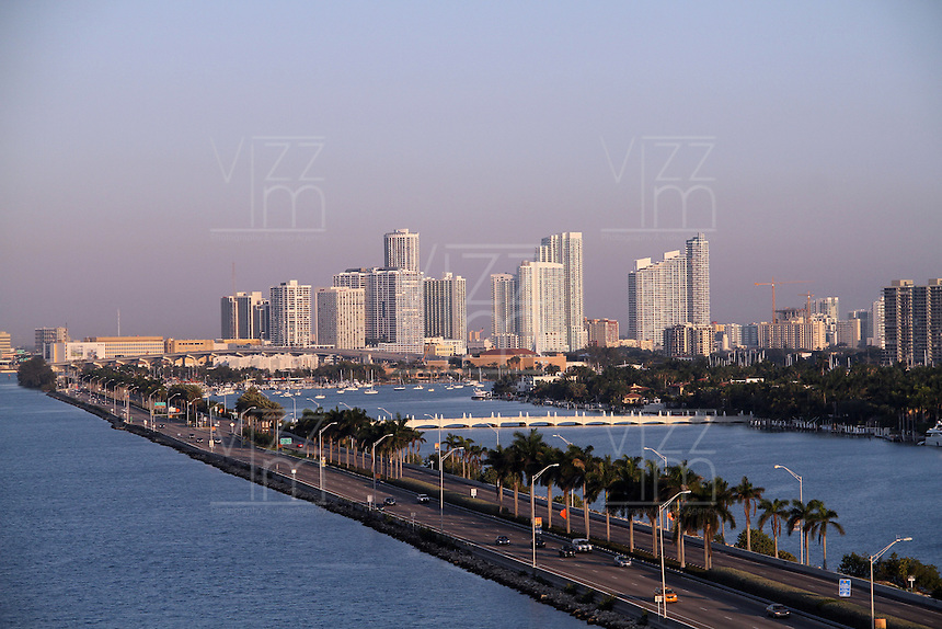 MIAMI - FLORIDA - USA -11-03-2013 .  Miami , Florida ,   USA .  Miami, Florida, USA.( Photo / VizzorImage / Felipe Caicedo / Staff).