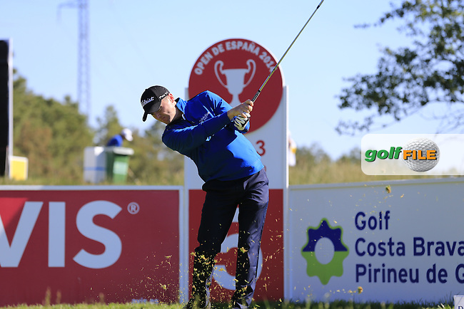 Michael Hoey (NIR) tees off the par3 5th tee during Thursday's Round 1 of the 2014 Open de Espana held at the PGA Catalunya Resort, Girona, Spain. Wednesday 15th May 2014.<br /> Picture: Eoin Clarke www.golffile.ie
