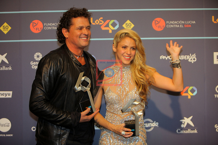 Los 40 MUSIC Awards 2016 - Photocall.<br /> Carlos Vives &amp; Shakira.