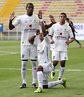 BOGOTA -COLOMBIA. 1-03-2014.  Henry Hernandez   de La Equidad celebra su gol contra  Fortaleza F.C. partido por la novena   fecha de La liga Postobon 1 disputado en el estadio Metropolitano de Techo . /    Henry Hernandez  of La Equidad  celebrates his goal   against Fortaleza F.C. of  nine round during the match  of The Postobon one league  at the Metropolitano of Techo Stadium . Photo: VizzorImage/ Felipe Caicedo / Staff