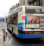 20080109 - France - Aquitaine - Pau<br /> TOUT LE CENTRE-VILLE DE PAU EST INTERDIT AUX VOITURES : SEULS PASSENT LES BUS, NAVETTES GRATUITES, VELOS ET PIETONS.<br /> Ref : CENTRE_PIETONNIER_005.jpg - © Philippe Noisette.