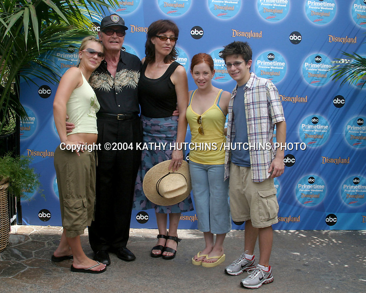 ©2004 KATHY HUTCHINS /HUTCHINS PHOTO.ABC PRIMETIME PREVIEW WEEKEND 2004.ANAHEIM, CA.SEPTEMBER 12, 2004..KALEY CUOCO,  JAMES GARNER,  KATEY SAGAL, AMY DAVIDSON, AND MARTIN SPANJERS
