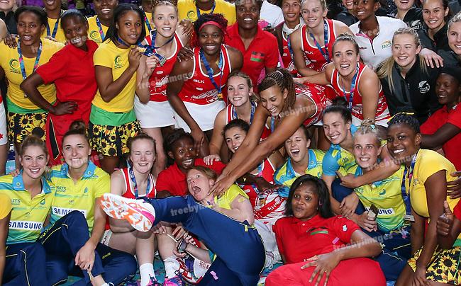 29/10/17 Fast5 2017<br /> Fast 5 Netball World Series<br /> Hisense Arena Melbourne<br /> Grand Final Jamaica v England<br /> Geva Mentor and Tegan Philip<br /> <br /> <br /> <br /> <br /> <br /> Photo: Grant Treeby