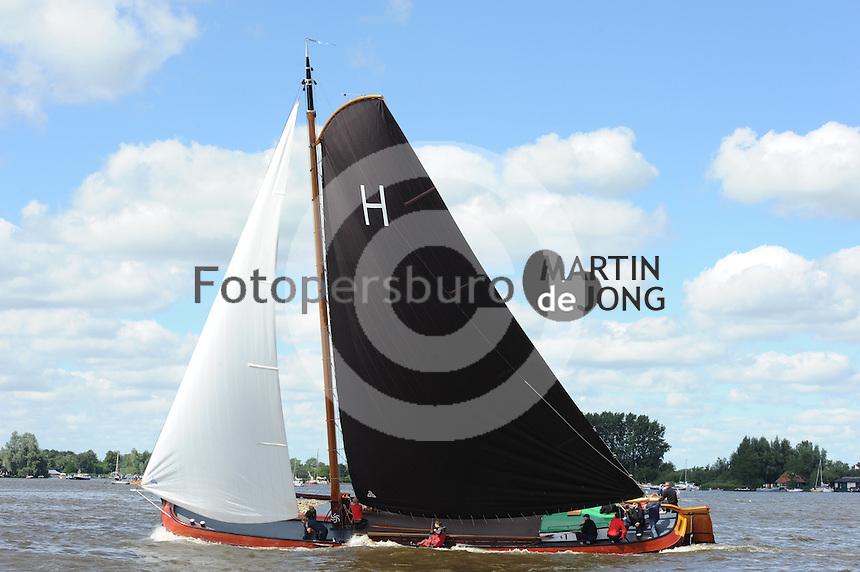 SKUTSJESILEN: GROU: SKS skûtsjesilen, Friese Sporten, 24-07-2010, Fryslân, skûtsje Heerenveen (Gerben van Manen), ©foto Martin de Jong