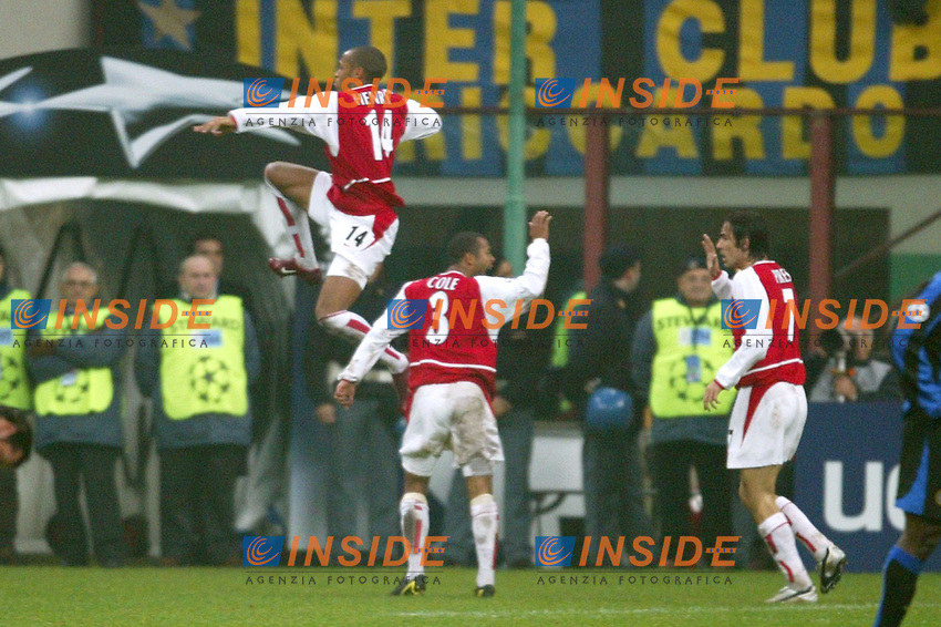MILANO 25/11/2003 <br /> Champions League Inter Arsenal 1-5<br /> Thierry Henry (Arsenal) celebrates his frist goal<br /> Photo Andrea Staccioli Insidefoto