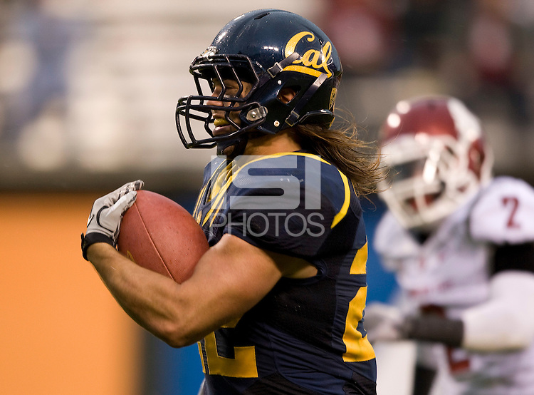 Will Kapp of California runs the ball during the game against Washington State at AT&T Park in San Francisco, California on November 5th, 2011.  California defeated Washington State, 30-7.