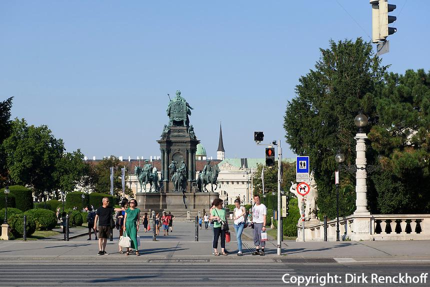 Denkmal Maria Theresia am Maria-Theresien-Platz, Wien, &Ouml;sterreich, UNESCO-Weltkulturerbe<br /> monument  Maria Theresia, Vienna, Austria, world heritage