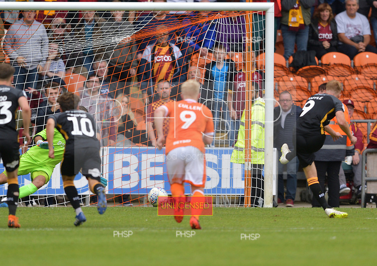 08/09/2018 Sky Bet League 1 Blackpool v Bradford City<br /> <br /> Eoin Doyle scores for Bradford City with a second half penalty