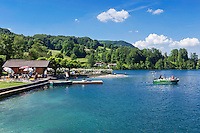 Austria, Upper Austria, Salzkammergut, Nussdorf am Attersee, district Stockwinkl: boat cruise | Oesterreich, Oberoesterreich, Salzkammergut, Nussdorf am Attersee, Ortsteil Stockwinkl: Ablegen zur Bootsrundfahrt