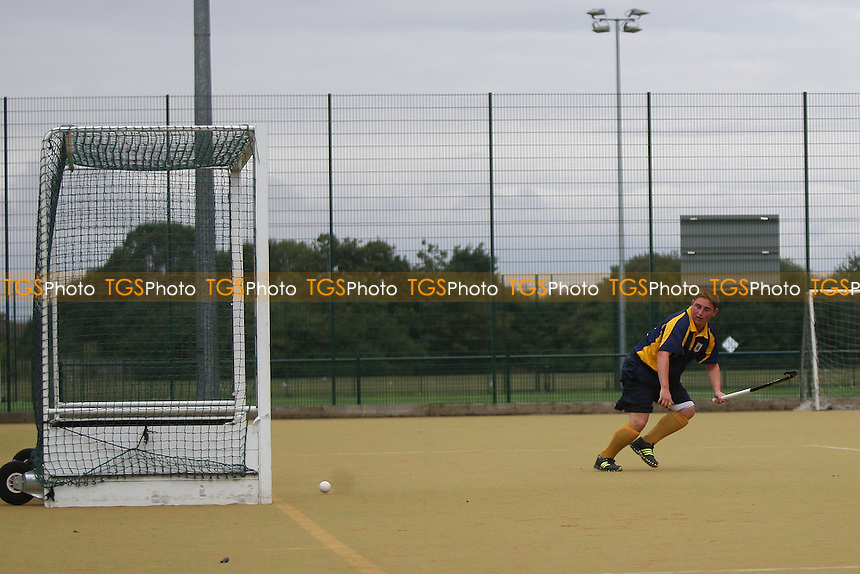 Romford score their fifth goal-Romford HC vs Old Southendian HC 2nd XI, East Region League Field Hockey at the Robert Clack Leisure Centre on 8th October 2016