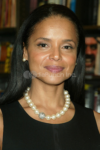The Young and the Restless actress Victoria Rowell pictured during her discussion & book signing for her memoir THE WOMEN WHO RAISED ME at Borders Columbus Circle in New York City. April 13, 2007 © Joseph Marzullo / MediaPunch