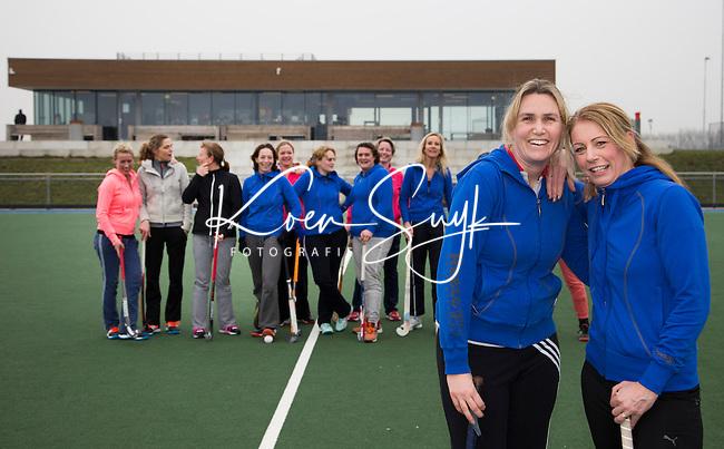 HOUTEN - Duo lidmaatschap hockeyclub Houten.  Danielle Baas  (l) en Miriam van Leeuwen. FOTO KOEN SUYK