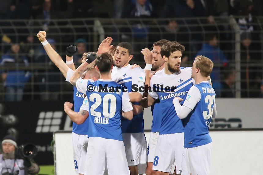 Torjubel um Leon Balogun (SV98) beim 1:0  - SV Darmstadt 98 vs. 1. FC Union Berlin, Stadion am Boellenfalltor