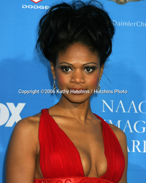 Kimberly Elise.37th NAACP Image Awards.Shrine Auditorium.Los Angeles, CA.February 25, 2006.©2006 Kathy Hutchins / Hutchins Photo....