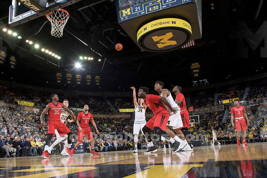 The University of Michigan men's basketball team defeats Rutgers University, 68-57, at Crisler Arena in Ann Arbor on Jan. 27, 2016.