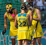 The Hague, Netherlands, June 09: Players of Australia prepare for a penalty corner during the field hockey group match (Women - Group A) between England and Argentina on June 9, 2014 during the World Cup 2014 at Kyocera Stadium in The Hague, Netherlands. Final score 0-0 (0-0)  (Photo by Dirk Markgraf / www.265-images.com) *** Local caption *** Anna Flanagan #9 of Australia, Kate Jenner #22 of Australia, Karri McMahon #11 of Australia