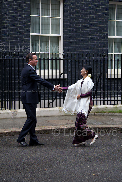 London, 21/06/2012. Aung San Suu Kyi (Burmese opposition politician and General Secretary of the National League for Democracy - NLD in Burma) meets the British Prime Minister David Cameron at 10 Downing Street.
