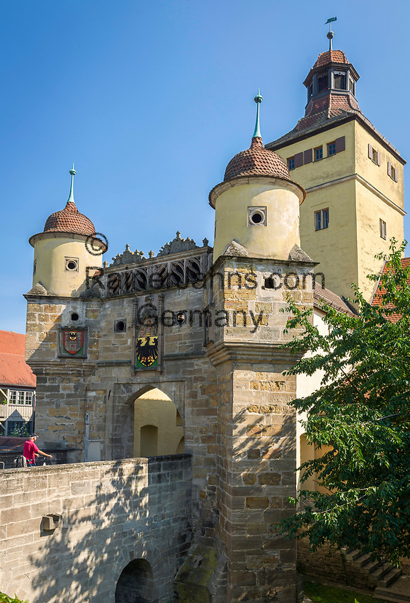 Deutschland, Bayern, Mittelfranken, Naturpark Altmuehltal, Weissenburg in Bayern: Das Ellinger Tor | Germany, Bavaria, Middle Franconia, Nature Park Altmuehl Valley, Weissenburg in Bayern: the Ellinger Town Gate