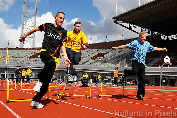 De Open Dag is hét evenement van het jaar voor de Johan Cruyff Foundation. Sportdag in het Olympisch stadion voor kinderen mét en zonder handicap. Hordenlopen