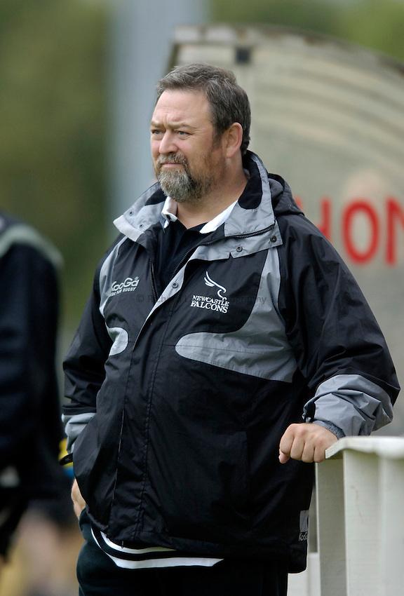 Photo: Jed Wee..Glasgow v Newcastle Falcons. Pre Season Friendly. 18/08/2006...Newcastle Conditioning Coach Steve Black.