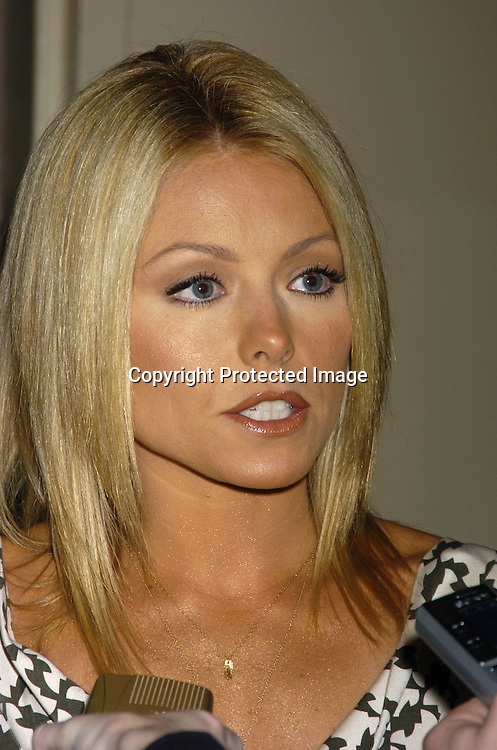 Kelly Ripa..at The City of Hope Luncheon honoring Kelly Ripa on ..May 10, 2005 at The Waldorf Astoria Hotel. ..Photo by Robin Platzer, Twin Images