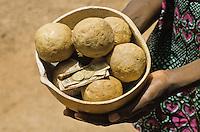 This soup is made from ceneri di corteccia di Acacia albida e di scarti di lavorazione del shea butter