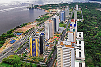 Edificios de apartamentos no bairro Nova Ponta Negra. Manaus. Amazonas. 2011. Foto de Sergio Amaral. .