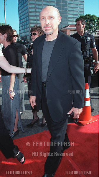 "25JUL99: Actor HECTOR ELIZONDO at the Los Angeles premiere of ""Runaway Bride"" in which he stars with Richard Gere & Julia Roberts..© Paul Smith/ Featureflash"