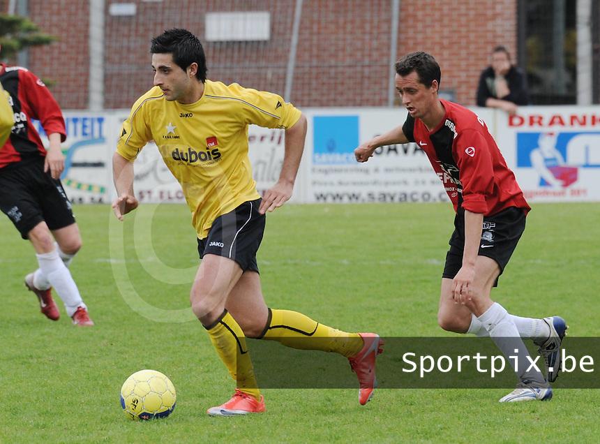 Winkel Sport - WS Lauwe..David Pignatiello aan de bal met achter zich Dimitri Delporte (rechts)..foto David Catry / VDB