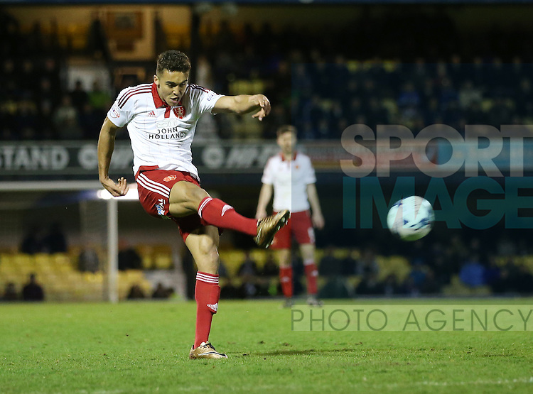 Sheffield United's Dom Calvert-Lewin fires in a shot during the League One match at Roots Hall Stadium.  Photo credit should read: David Klein/Sportimage